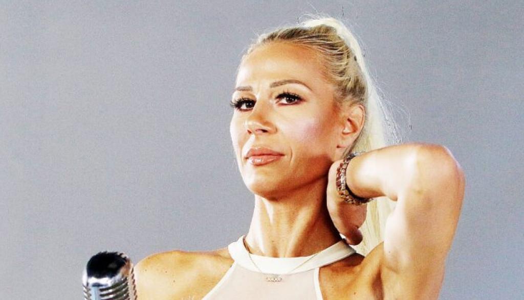 Vesna Đogani: Volim da slikam svoje grudi i ne vidim ništa loše u tome!