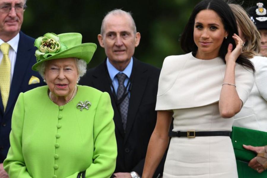 """Da svi vide: Kraljica Elizabeta se konačno oglasila povodom """"nedoličnog"""" ponašanja Megan i Harija za Božić (foto)"""