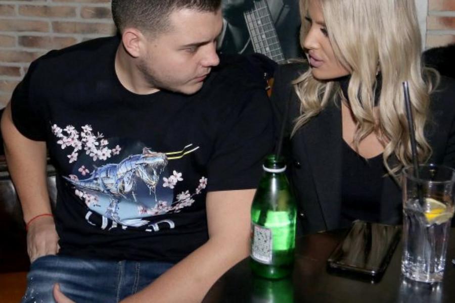 Prvi put u javnosti: Upoznajte zanosnu Sandru, devojku Viktora Živojinovića! (foto)