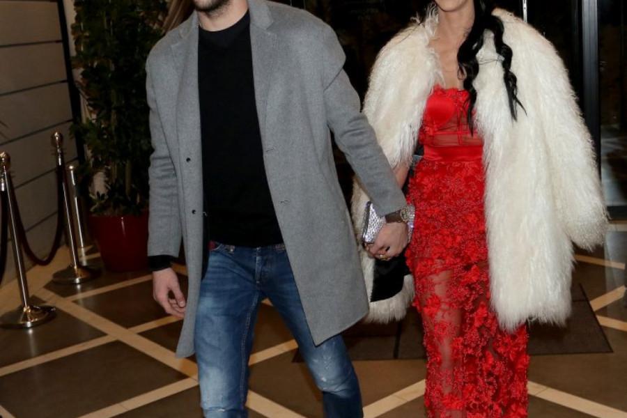Tri toalete za venčanje: Buduća supruga Veljka Ražnatovića će na svadbi nositi haljinu od 3.000 kristala