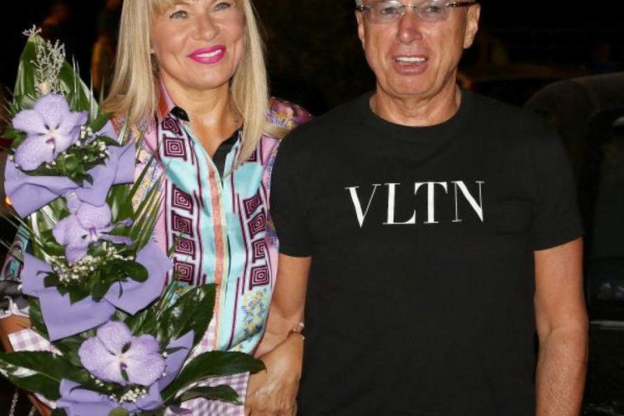 Supruga Saše Popovića proslavila 50. rođendan, a kad je videla šta joj je muž poklonio ODMAH SE POHVALILA SVIMA