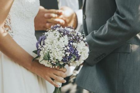 """Sve SVETSKE ZVEZDE ovo rade na svojim VENČANJIMA, pa zašto ne biste i vi: Šta su """"Unplugged Weddings""""?"""