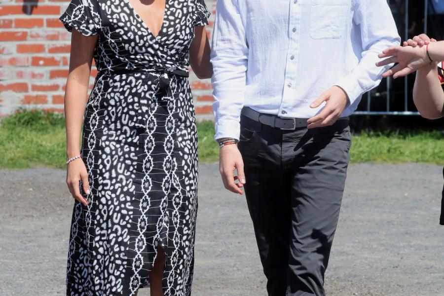 Vojvode na službenu turneju poveli malog ARČIJA i to u odelu koje je Lejdi Di obukla Hariju pre 34 godine (foto)