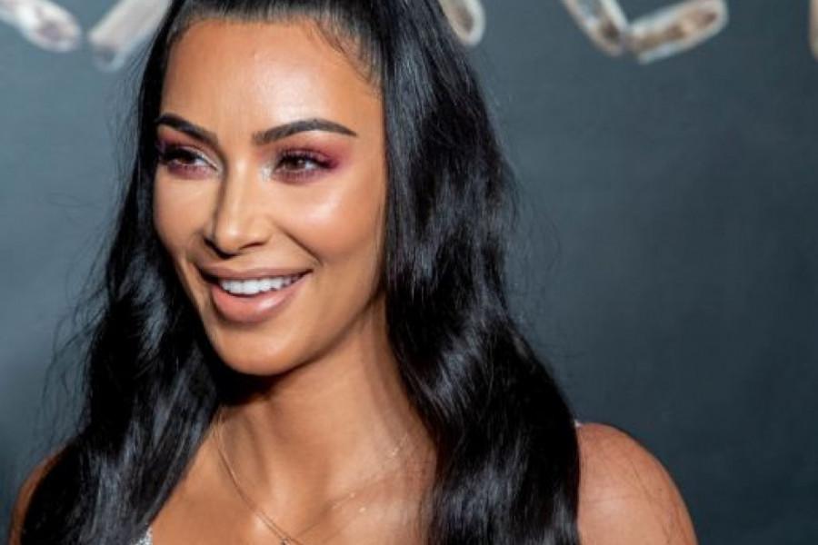 Otišla u kuću bez struje i vode, morala da VRŠI NUŽDU U FLAŠI: Da li bi se Kim zbog Kanje Vesta ODREKLA LUKSUZA?