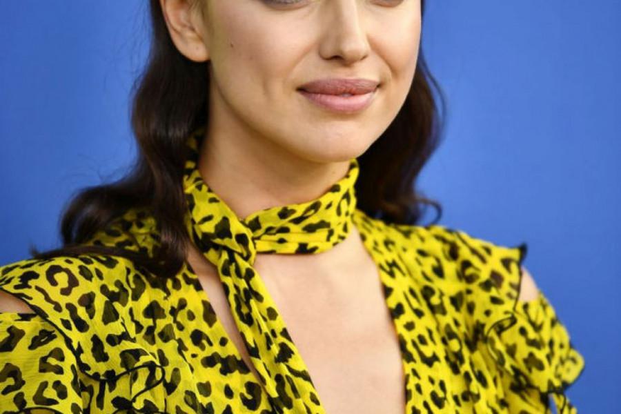 """Irinu Šajk """"uhvatili"""" sa manekenkom: Ljubi devojku nakon Bredlija Kupera?"""