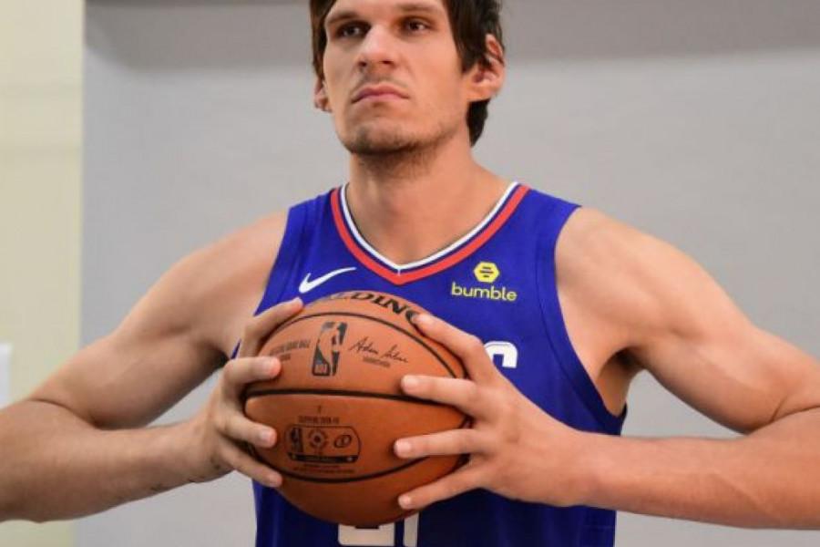 Imala je pomoć jednog košarkaša: URNEBESNO! Šta je Boban Marjanović dobio od žene za rođendan
