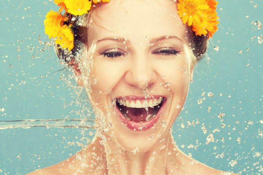 Ovo je najbolji način da očistite lice i izbegnete pojavu bubuljica tokom leta