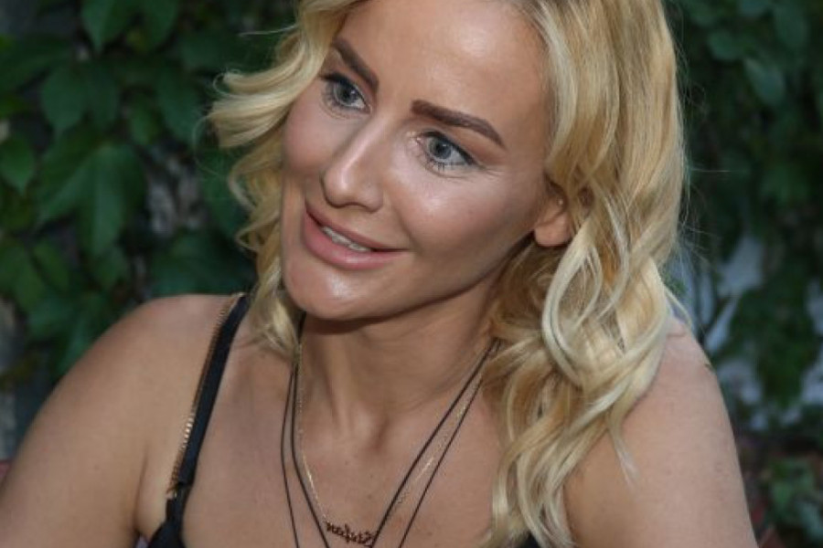 Milica Dabović pokazala TELO POPUT VIOLINE, pogled na njena istetovirana leđa ODUZIMA DAH! (foto)