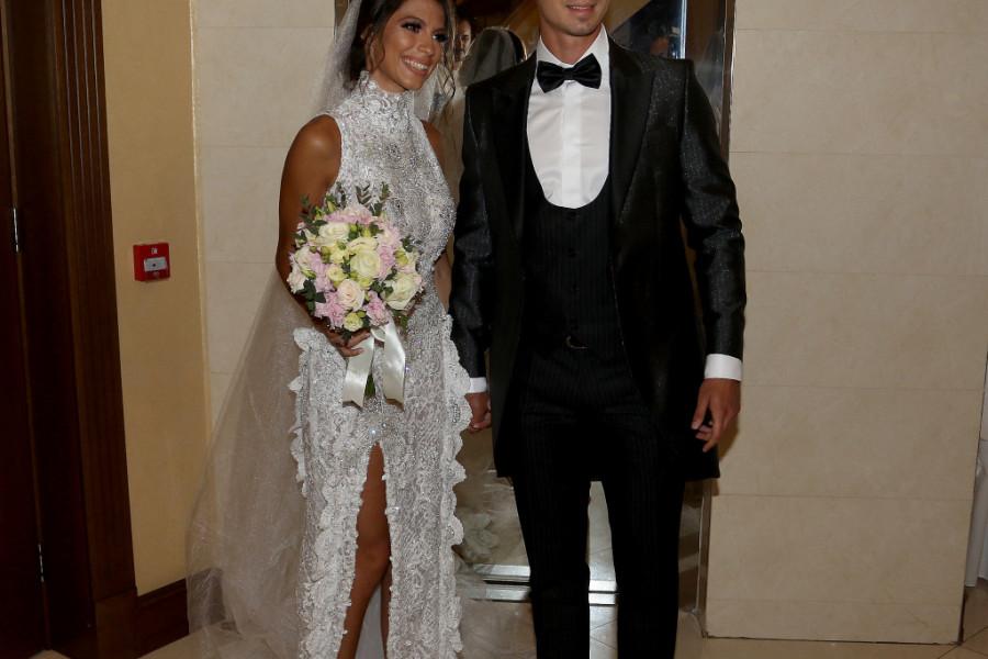 Udala se lepa Tijana a na njenom venčanju Kaća Grujić se KONAČNO pojavila SA DEČKOM kog je do sad uspešno krila! (foto)