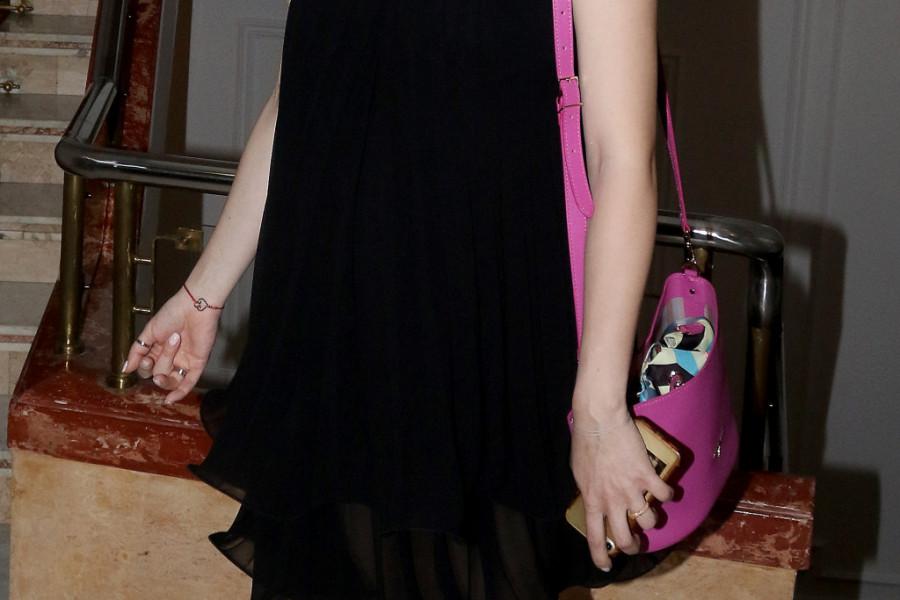 Tamara Dragičević na modnoj reviji pokazala TRUDNIČKI STOMAK, prošetala u ovoj haljini i IMPRESIONIRALA! (foto)