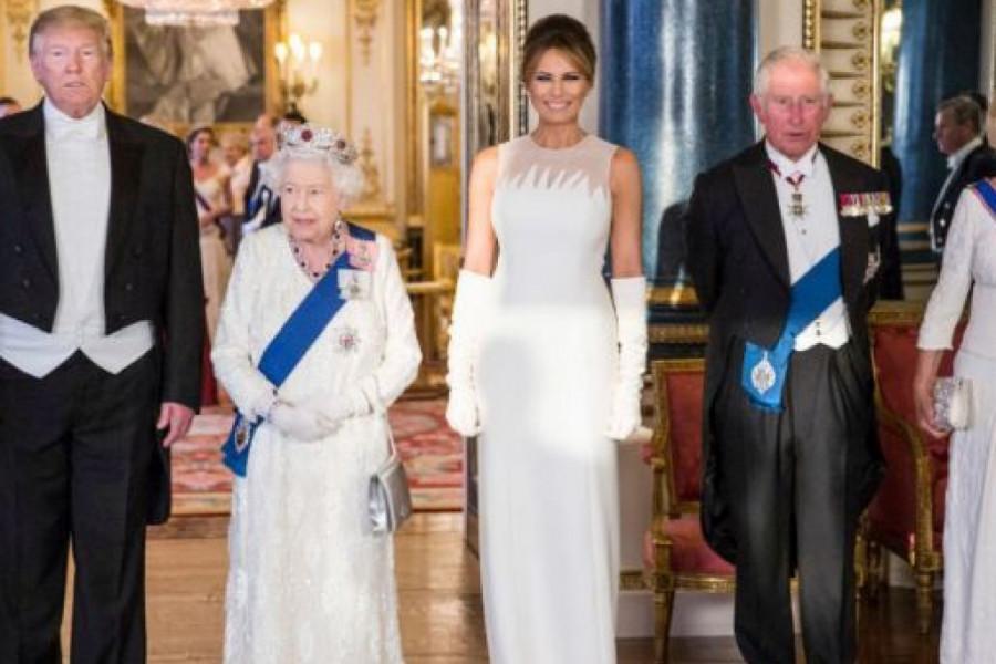 UPS! Melanija spasla Trampa u neprijatnoj situaciji sa britanskom kraljicom Elizabetom