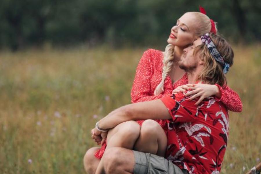 Jelena Rozga priznala da još uvek ČEKA PRAVU LJUBAV, a evo šta muškarac mora da radi kako bi zadovoljio sve njene potrebe!