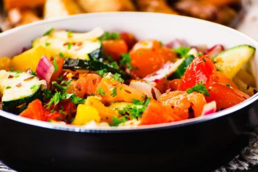 Fantazija ukusa: Krompir i tikvice u sosu od pečuraka