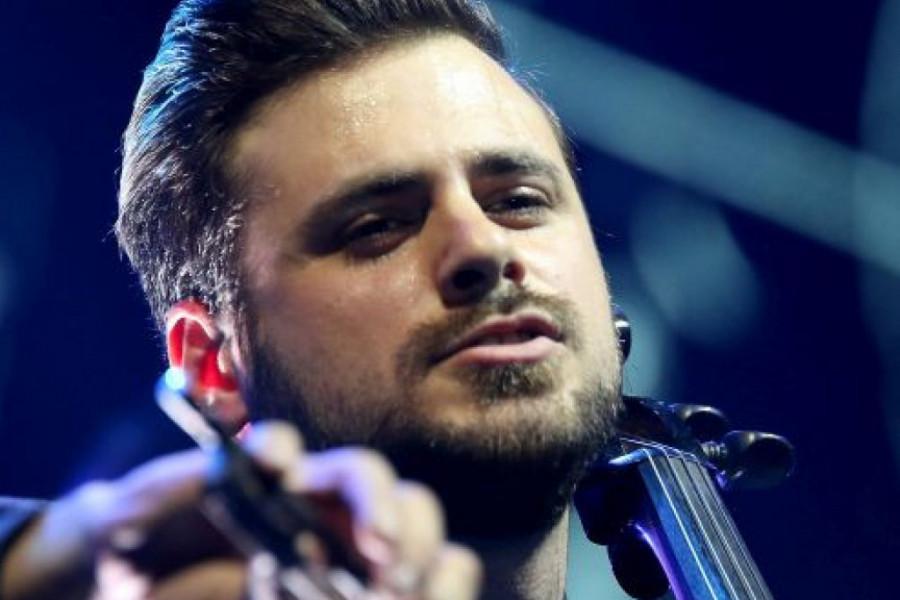 Pevačica i nova devojka nemaju ništa zajedničko: Stjepan Hauser POSLE Rozge NAŠAO UTEHU u HOSTESI?