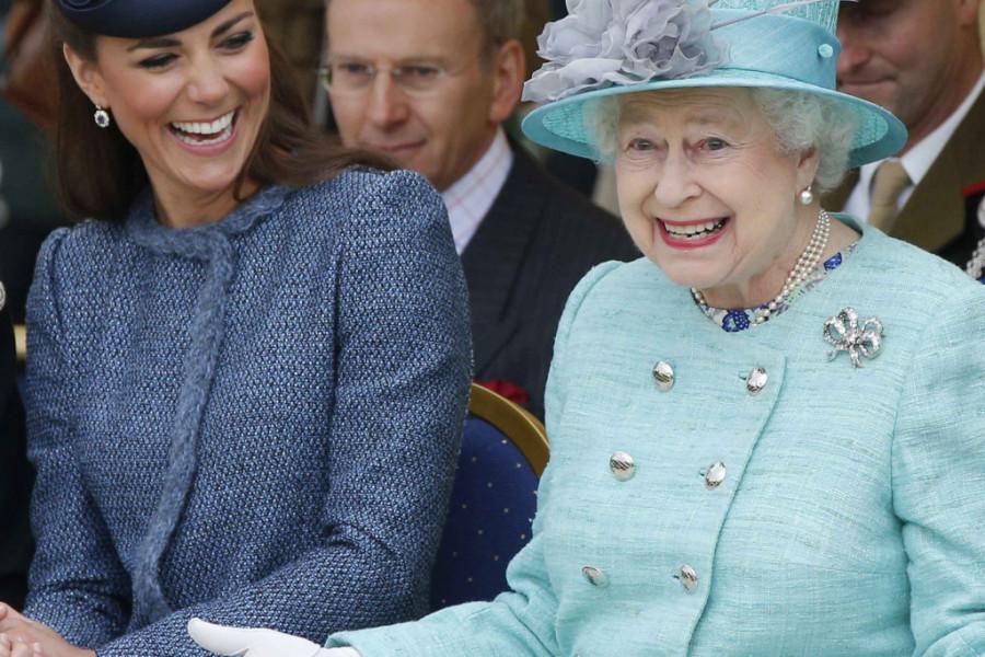 Kraljica Elizabeta odlikovala Kejt Midlton jednom VEOMA VAŽNOM I VELIKOM TITULOM!