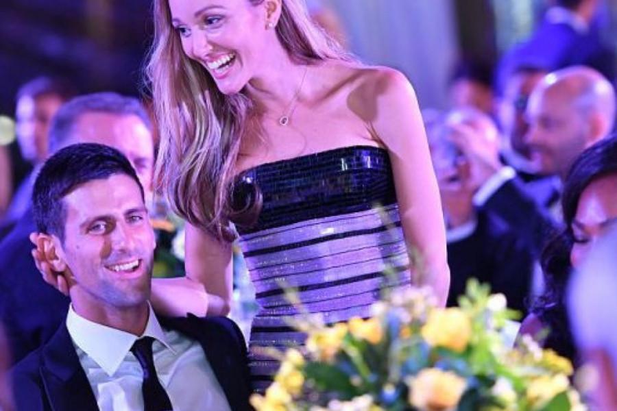 Fotografije Novaka Đokovića i njegove porodice OBIŠLE CEO SVET, evo šta je teniser radio sa suprugom na plaži! (foto)