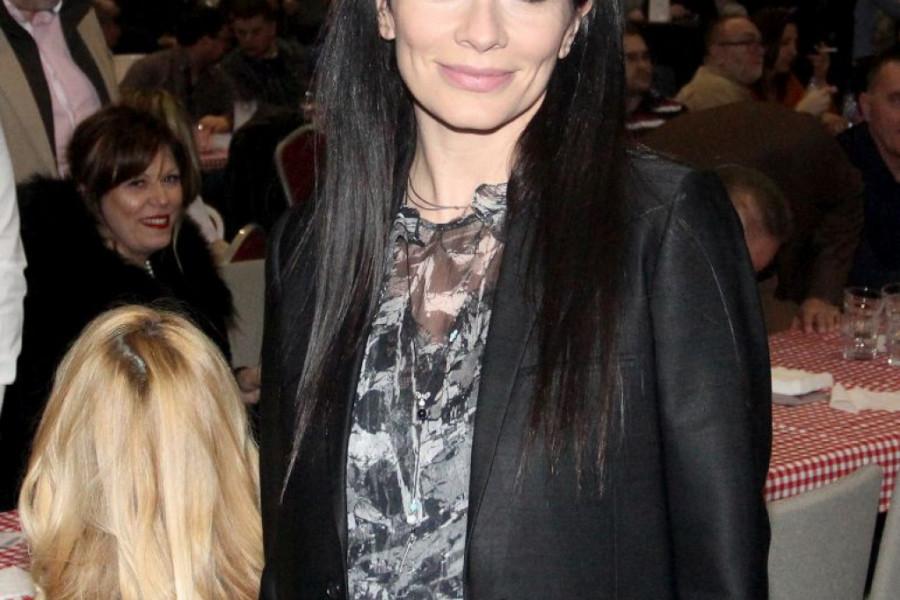 Kad vidite sa kime se poznata voditeljka pojavila na Fashion Weeku, RASTOPIĆETE SE: U NJIH DVE SVI SU GLEDALI BEZ REČI! (foto)