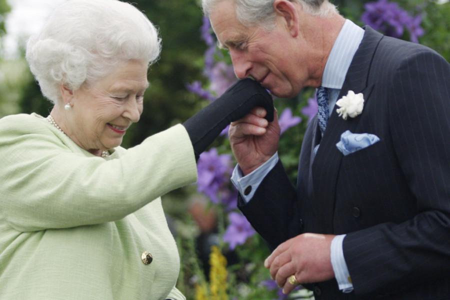 BRUTALNA KRALJEVSKA SVAĐA: Princ Čarls brata nazvao IDIOTOM, a za sve je kriva kraljica Elizabeta