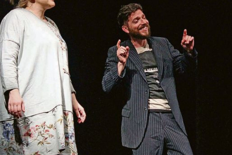 ŠOU U POZORIŠTU: Glumci šokirali i nasmejali publiku jednim gestom!