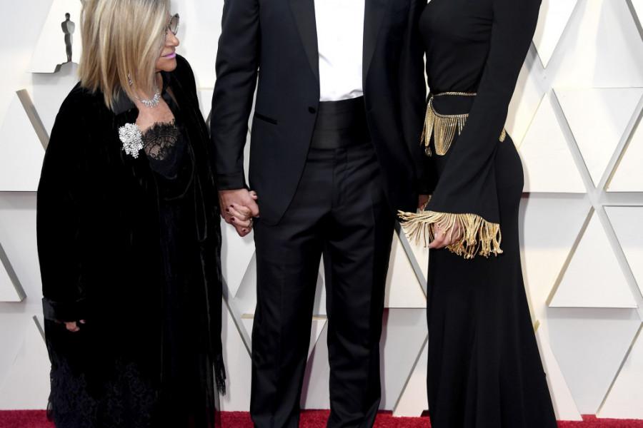 NIJE JOJ DO ŽIVOTA: Irina i Bredli USLIKANI NAKON SEKSI SCENE na dodeli Oskara (foto)