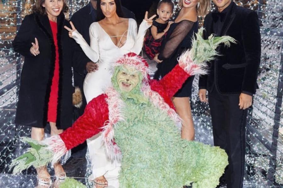 RASKOŠ KARDAŠIJANOVIH: Poslednje fotografije božićne žurke koja je ODUŠEVILA HOLIVUD (foto)