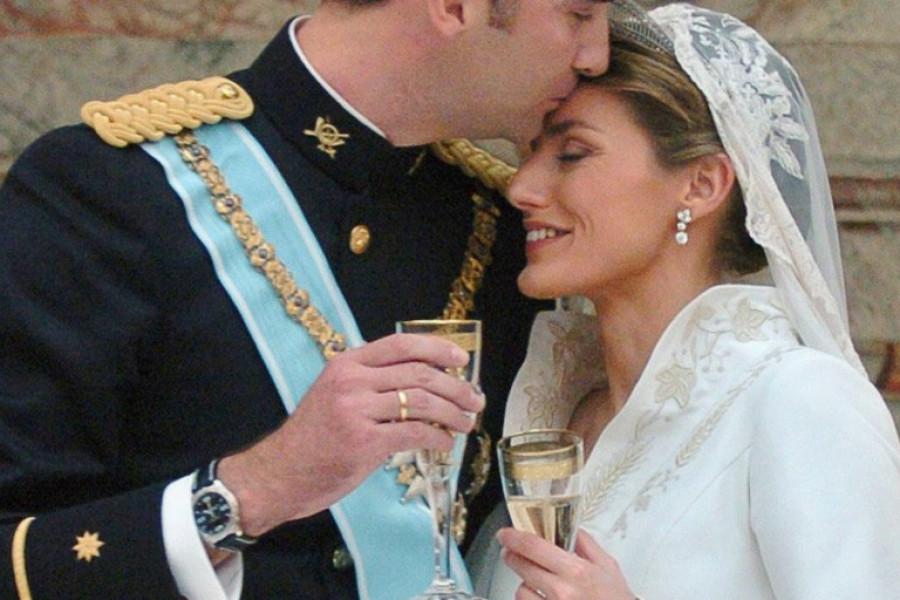 Skandal koji joj nisu oprostili: Pre udaje za kralja bila je u braku sa učiteljem iz srednje škole! (video)