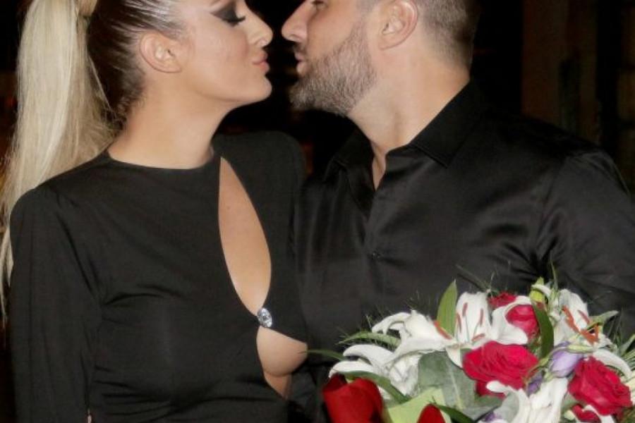 Luna Đogani pokazala verenički prsten: Vreo poljubac pred kamerama (FOTO)