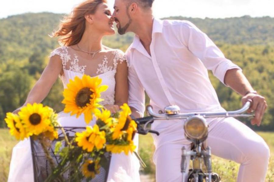 Ljubavni horoskop za 25. i 26. jul: Nekome se smeši nova romansa, a nekome svađa
