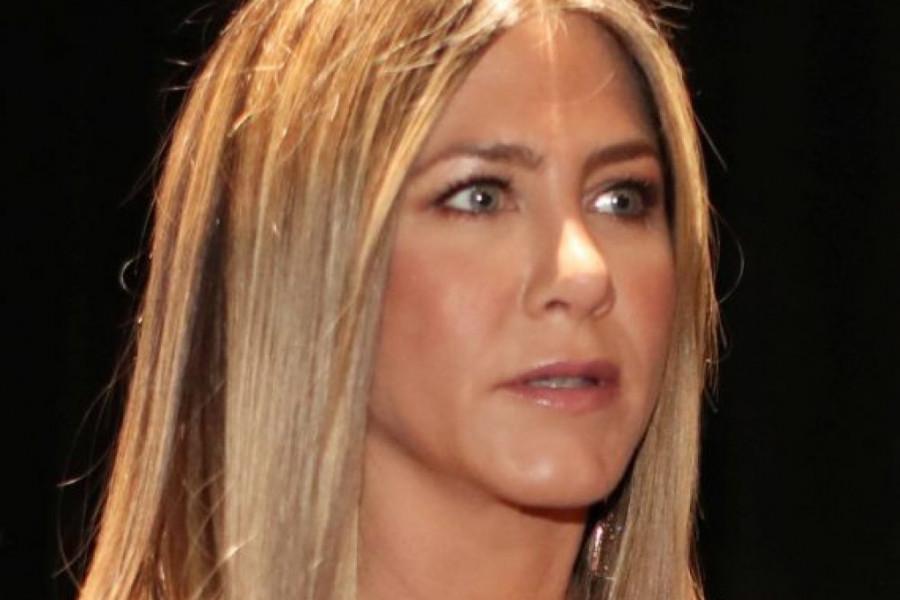 Dženifer Aniston uznemirila obožavaoce fotografijom iz bolnice: Ovako zaista izgleda covid!
