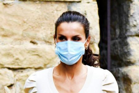 Trend koji je pokorio svet: Evo kako poznate dame nose maske za lice!