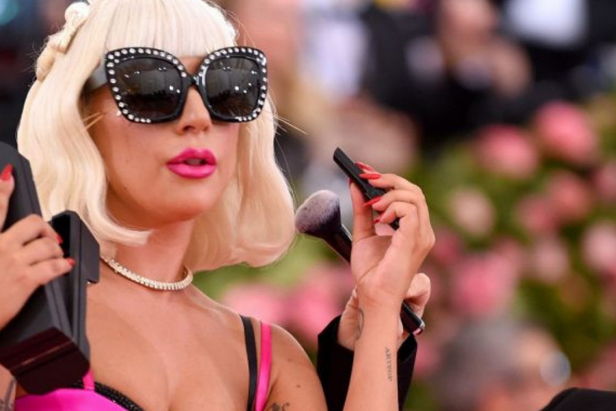 Pevačica Ledi Gaga krije stomak od javnosti: Slike trudne pevačice obišle svet?