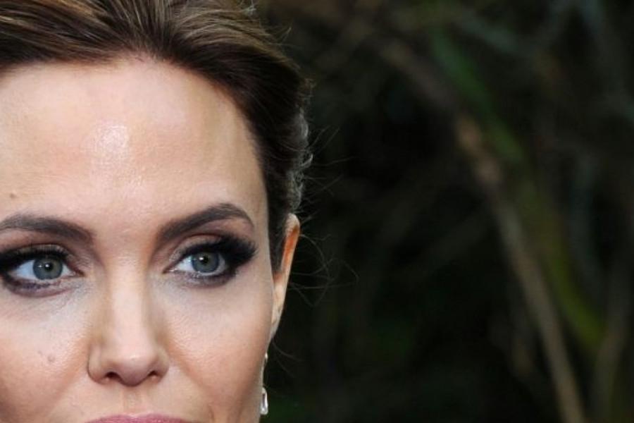 Zabrinjavajuće upozorenje lekara Anđelini Džoli: Jedi ili ćeš umreti