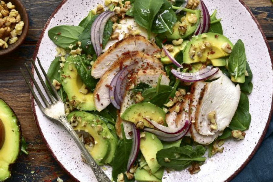 Salate na prolećnom meniju: Idealan saveznik za vitkost