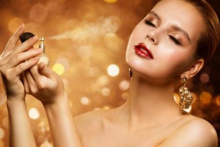 Nota omiljenog mirisa gubi intenzitet? Ovo su kardinalne greške kod čuvanja parfema!