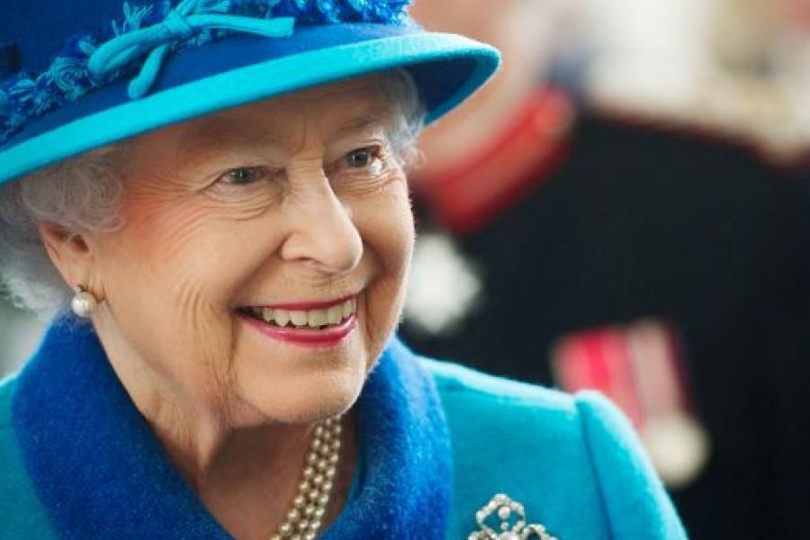 Zbog korone kraljica Elizabeta Druga 94. rođendan slavi u tišini (foto)
