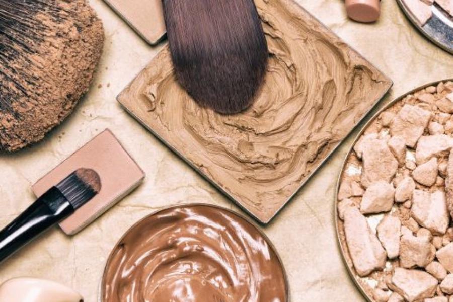 Saznajte može li korona virus opstati na proizvodima za šminkanje