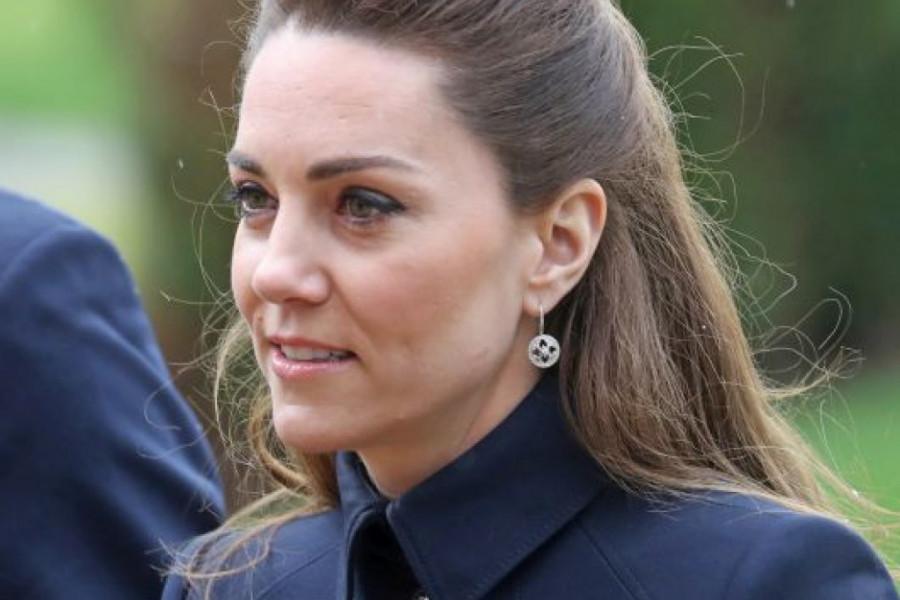 Ceo svet zabrinut za vojvotkinjin izgled: Kejt Midlton bolesna? (foto)