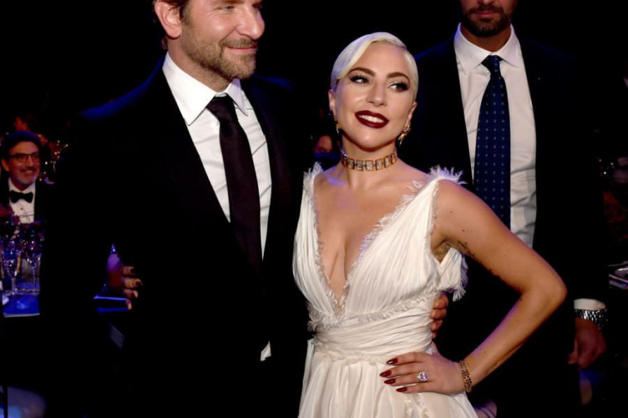 Ledi Gaga nakon ljubavnog skandala ljubi misterioznog muškarca! (foto)