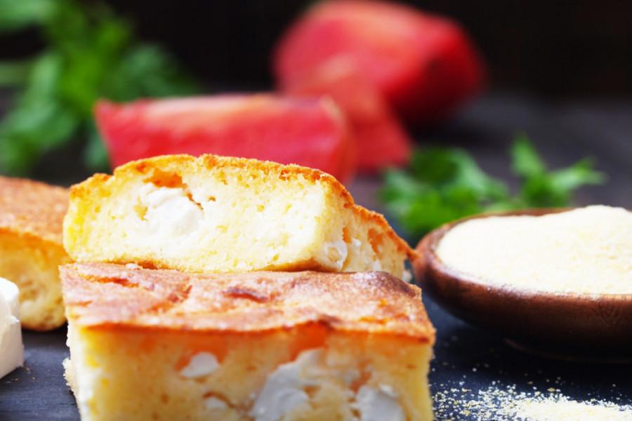 Kranjska pogača sa sirom i paprikom: Sočno praznično pecivo za desetku!