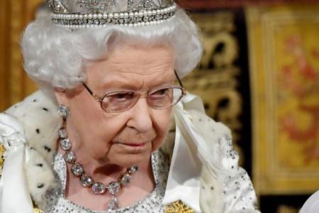 Povratak vladarke nakon četiri meseca - Kraljica izgubila 10 kilograma, bolest je upropastila? (FOTO)