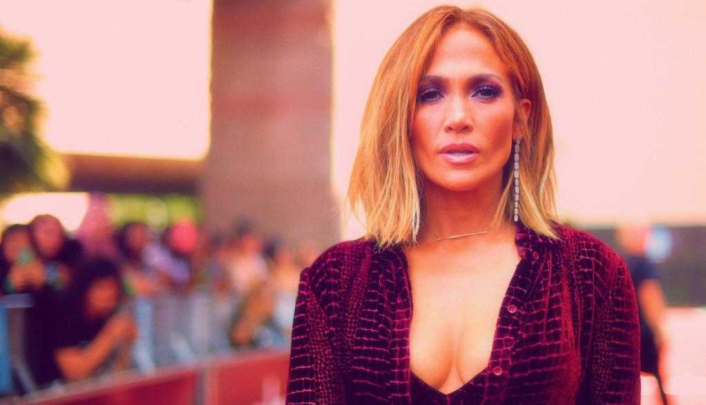 Telo je sve: Dženifer Lopez kao od majke rođena! (VIDEO)