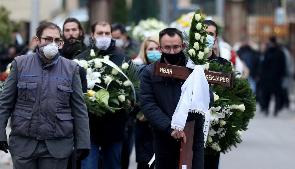 Suze i jecaji na Novom groblju: Sahranjen Ivan Bekjarev u Aleji zaslužnih građana