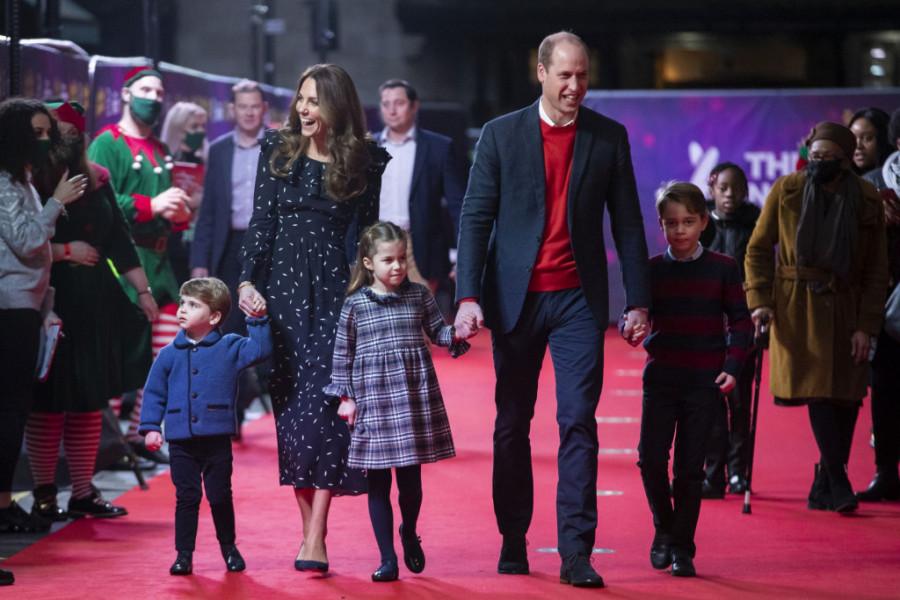 Božićna čestitka Kejt i Vilijama: Šarmantni kraljević raspametio svet