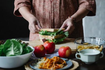 Umesto pečenja i mrsnih obroka: Hranljivo voće na trpezi