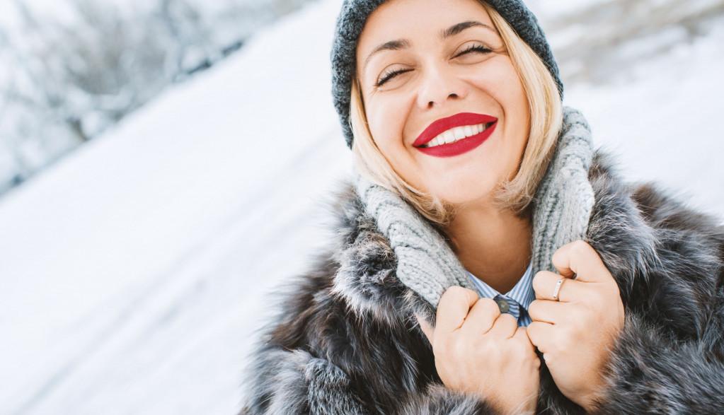 Vizažista Jovana otkriva 5 jednostavnih koraka kako da nanesete crveni karmin