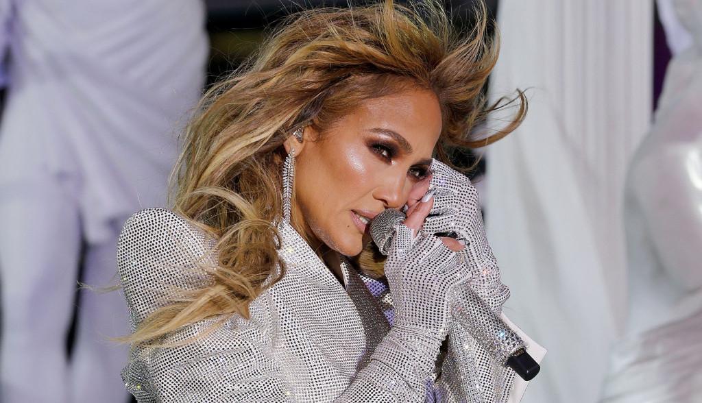 "Džej Lo se u novom spotu za pesmu ""In The Morning"" skinula do gole kože"