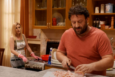 """Neočekivani ljubavni obrt u  novoj epizodi sitkoma koji je oduševio region """"Nek ide život"""""""