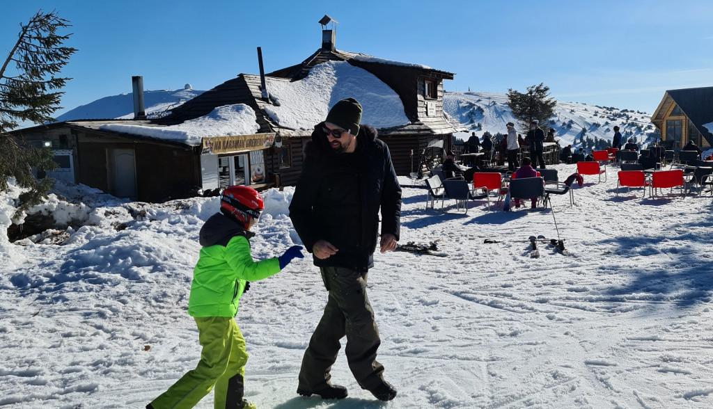 Matija i Ognjen u zimskoj akciji: Evo šta je voditelju zamerio sin!