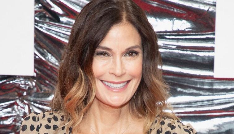 Beauty saveti Teri Hačer: Kako uz pomoć šminke podmladiti lice?