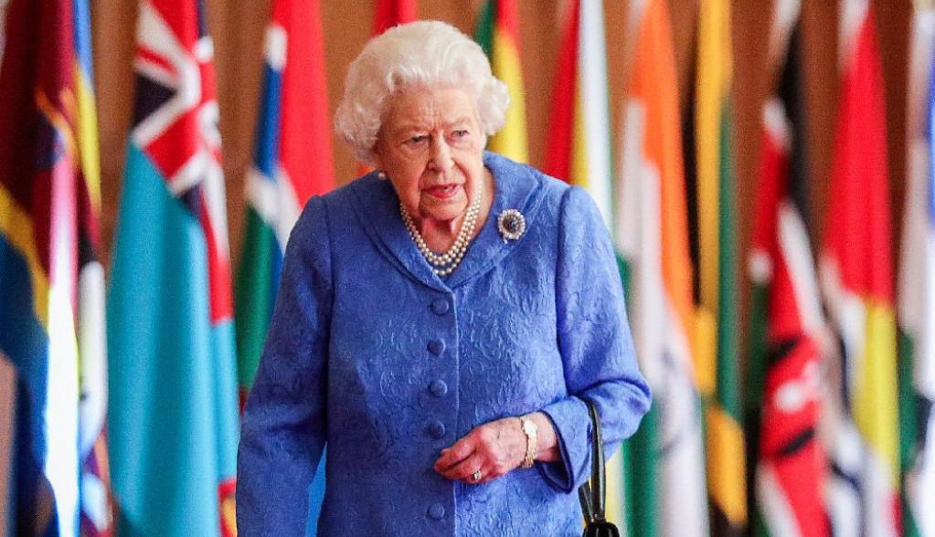 Tišina je prekinuta: Dva dana nakon potresnog intervjua, kraljica Elizabeta obratila se Megan i Hariju